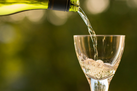 Alcohol, breastfeeding, alternative diets for cancer: Nutrilicious news digest